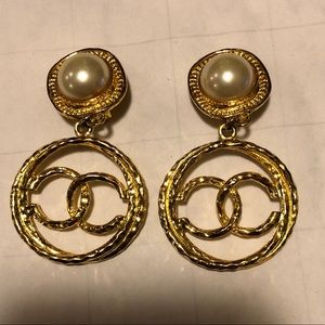 Vintage Chanel clip on